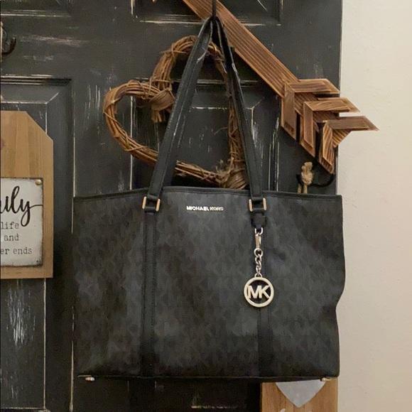 Michael Kors Handbags - Michael kors purse black leather